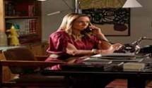 Boogie Oogie resumo dos capítulos: Cristina sugere a Vitória que ela arranje um emprego para Mário na agência de Fernando.