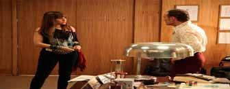 Boogie Oogie resumo dos capítulos: Cristina comenta com Vitória que teme a reação de Pedro quando Rafael for morar com Sandra.