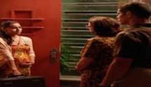 Boogie Oogie resumo dos capítulos: Sandra  conta para Rafael que está grávida e resolve terminar tudo com o piloto.