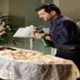 Império resumo dos capítulos: Cristina pensa na conversa que teve com José Alfredo antes do ocorrido e manda Josué se apressar para ir ao cemitério.